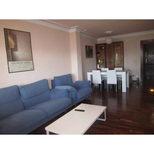 Salón Habitación en piso compartido Pamplona